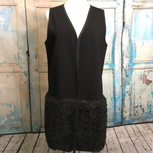 Studio M Vest, Size M/L, Black with Faux Fur E8